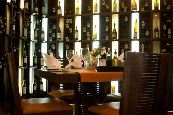 Hotel Intercontinental Medellin - Restaurant Cava