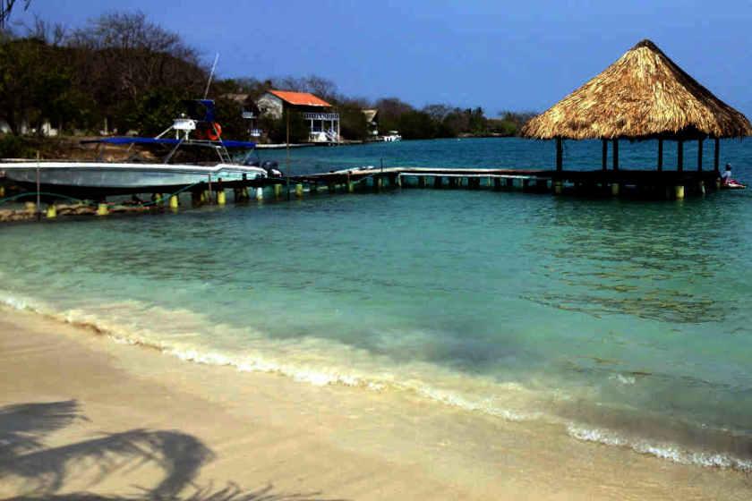 Ein Strand auf den Islas del Rosario, Kolumbien