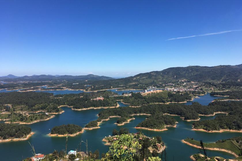 Rennradcamp Kolumbien: Der Stausee von Guatapé